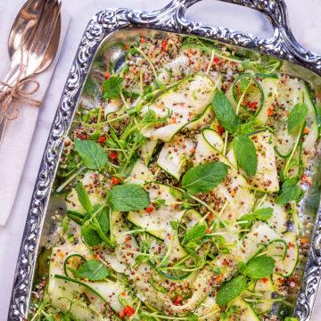 Asiatisk zucchini- och gurksallad