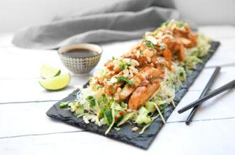 Asiatisk kyckling med nudelsallad