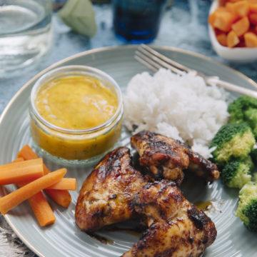 Buffalo wings med mangodipp och grönsaksplock