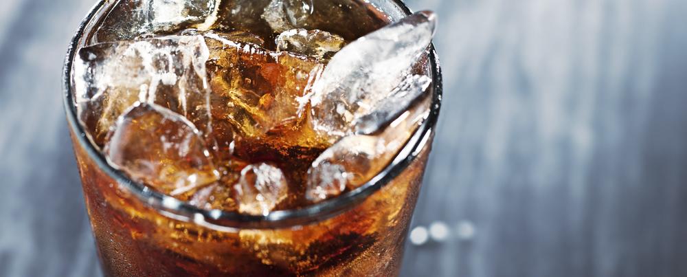 cola dricka glas