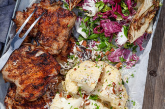 Grillad kyckling steak med tryffel och helgrillad blomkål