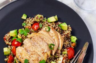 Kycklingfilé med quinoasallad