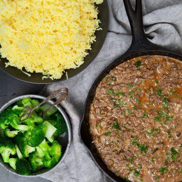 Köttfärsgryta med svamp och rödvin med pressad potatis