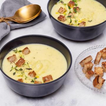 Krämig potatis och palsternackssoppa med krutonger