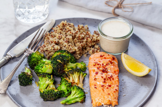 lax med grillad broccoli