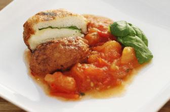 Mozzarellabollar i tomatsås