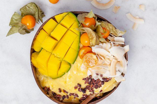 Mango- och kokosbowl