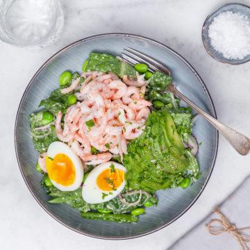 Räksallad med avokado och ägg