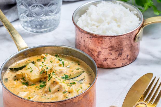 Röd currygryta med limemarinerad torsk