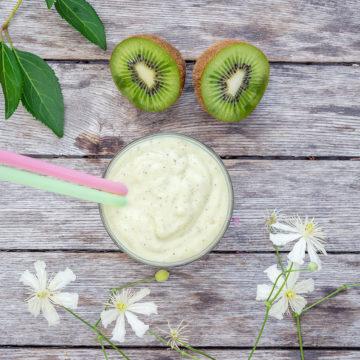 Smoothie med avokado och ananas