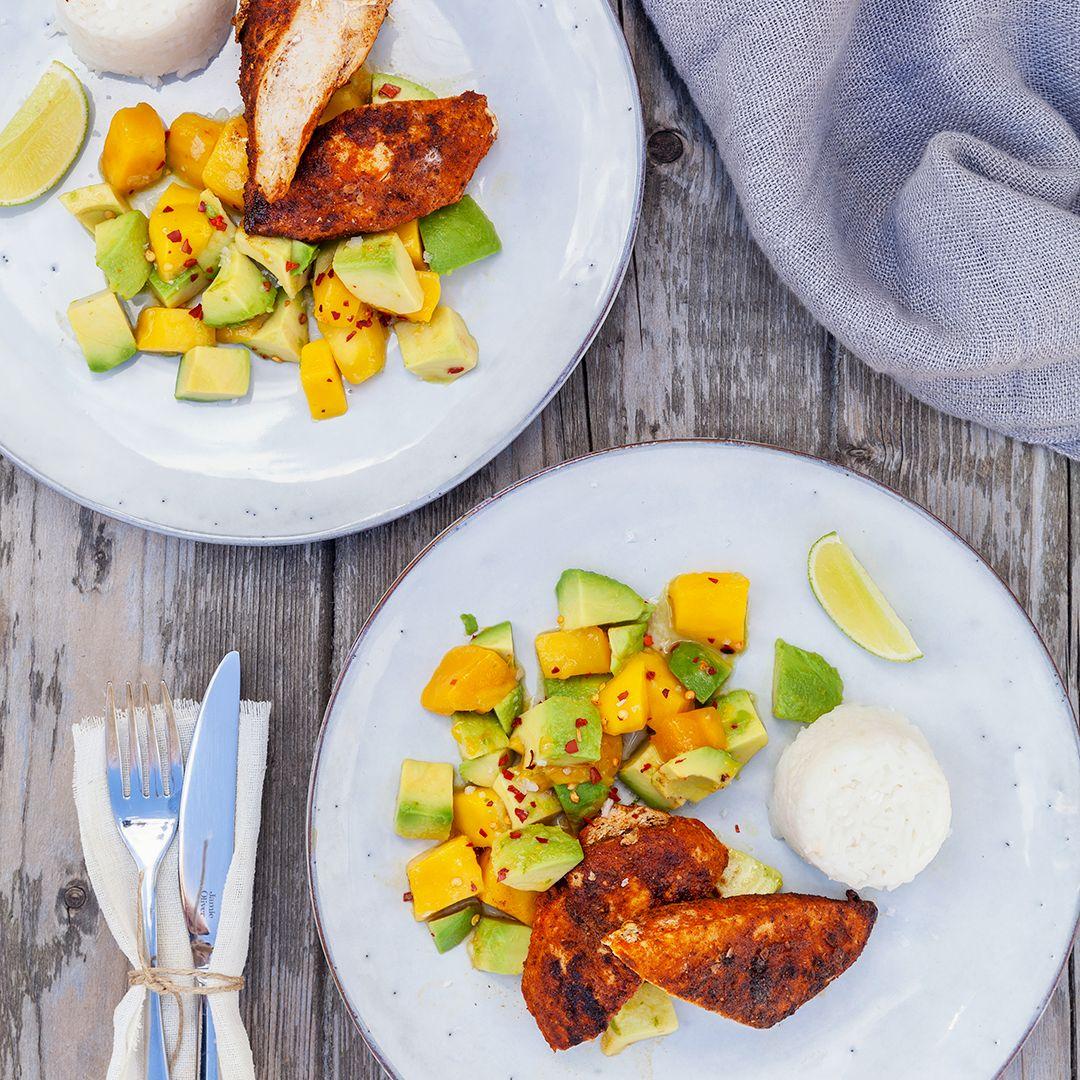 Tandoorikyckling med avokado- och mangosallad