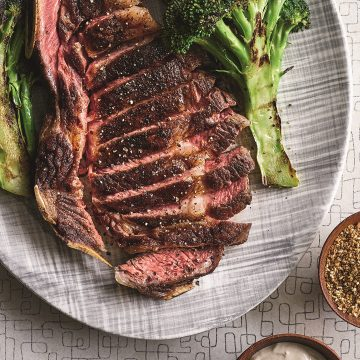 Entrecôte med kafferub och stekt broccoli