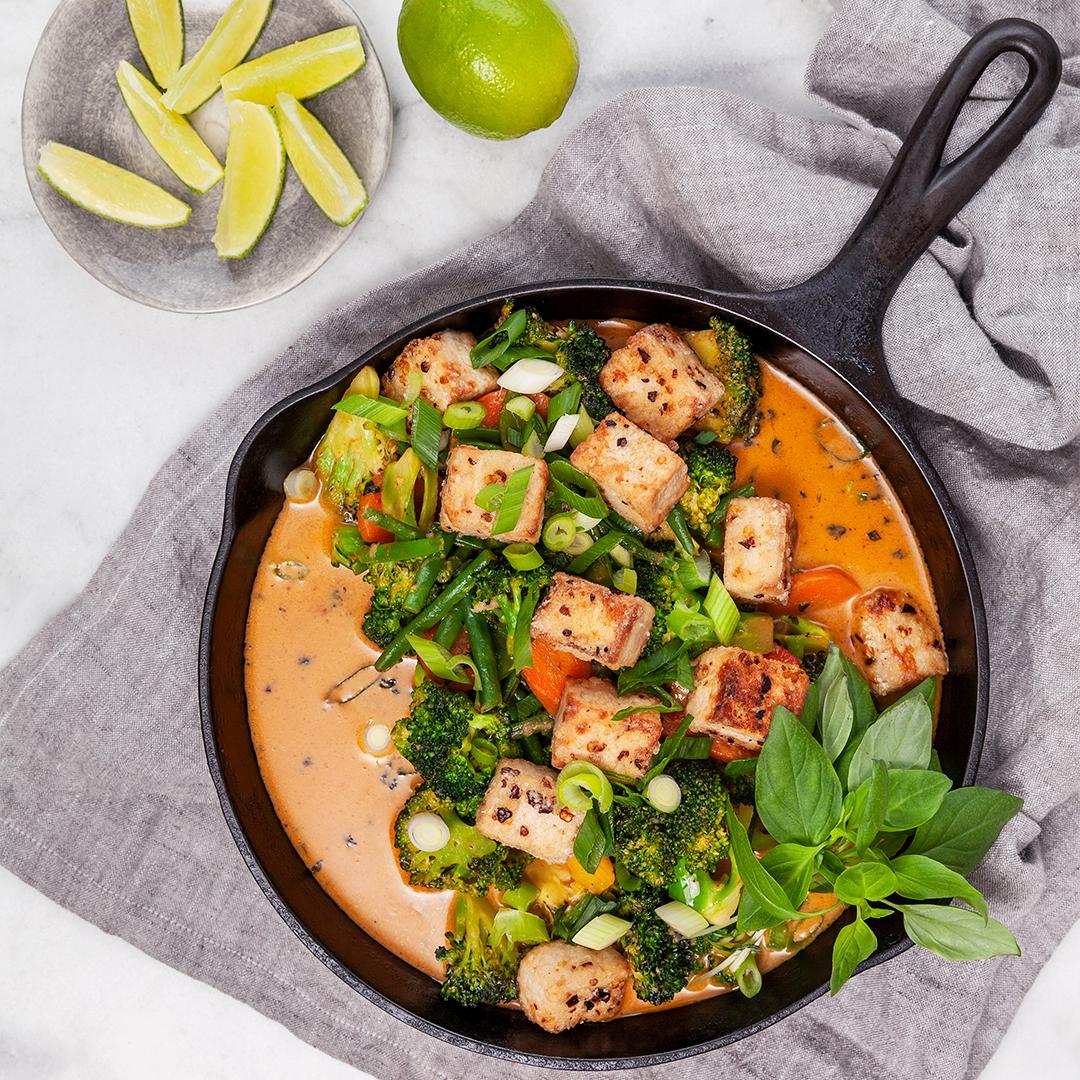 Vegansk wok i röd curry