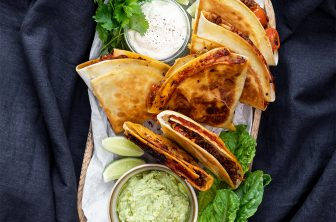 Vegetariska quesadillas med guacamole