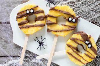 halloweenklubbor, chokladdoppad ananas