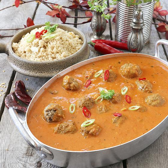 köttbullar i currytomtatsås