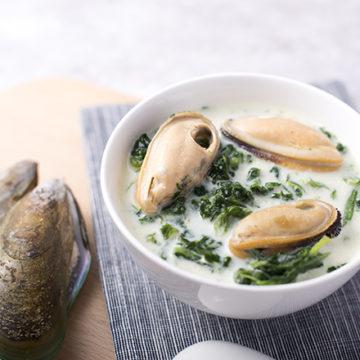 krämiga musslor med broccolimos