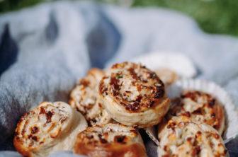 Pizzabullar med ädelost och valnötter